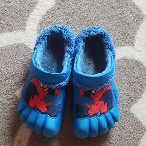 Spiderman boys crocs style shoes size 2/3